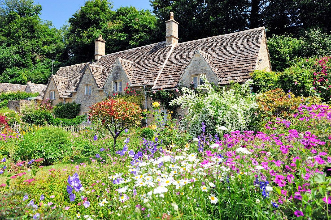 Upgrading Your Garden for Summertime in Bath