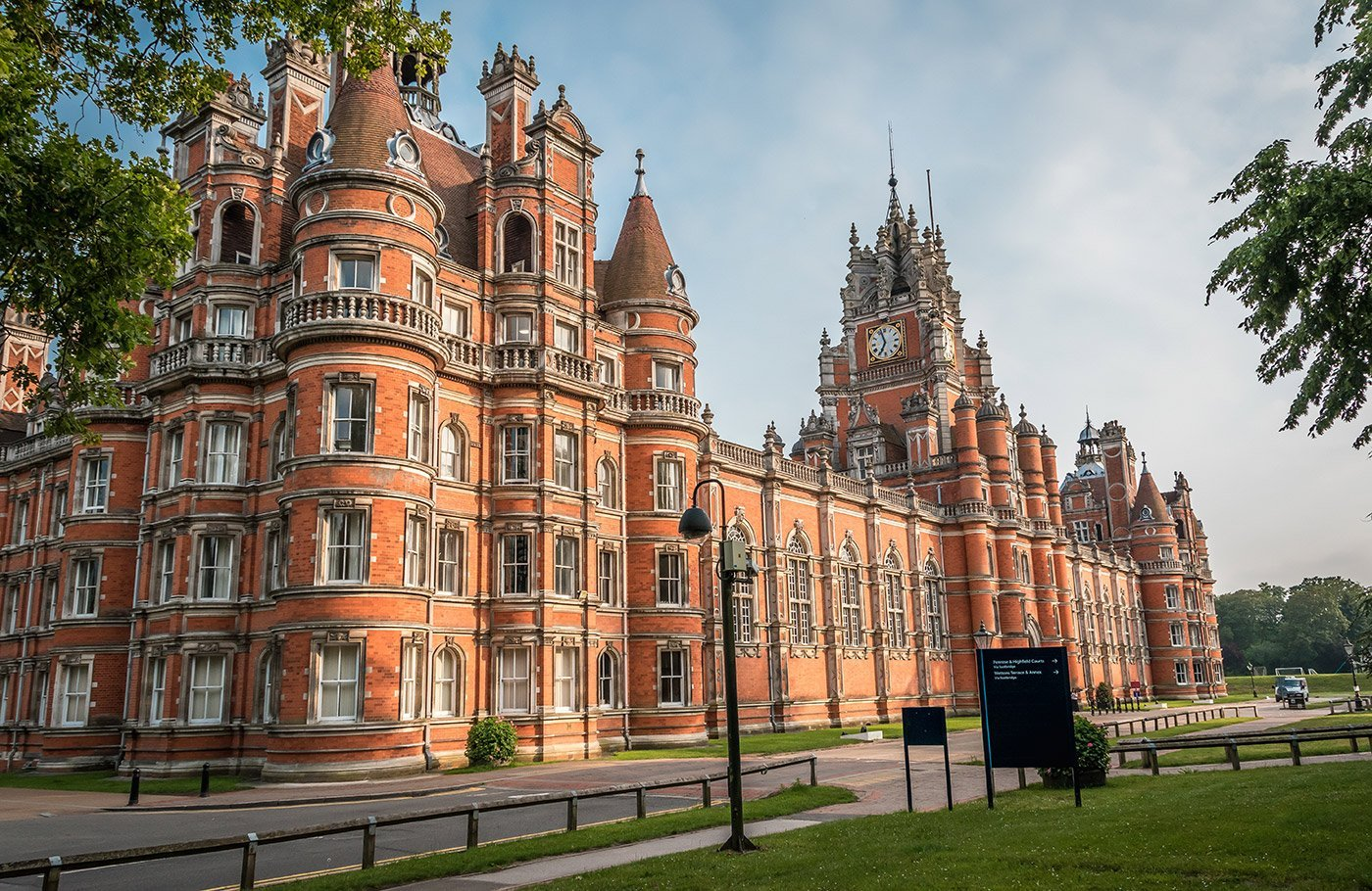 Relocating to Study in London – Aussie Has You Covered